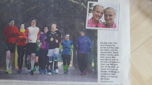 Foto der Laufgruppe von vorn in der Sächsische Zeitung